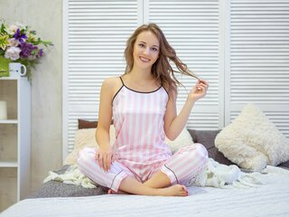 AngelaHoward webcam online