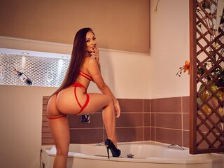 SarithaBroun online shows